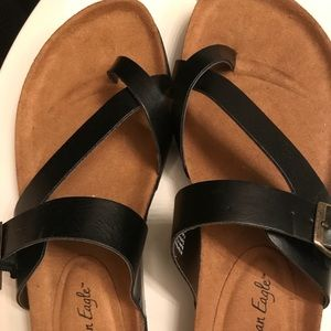 Brand new sandals black&tan in great condition